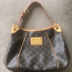 Louis Vuitton Galleria Bag